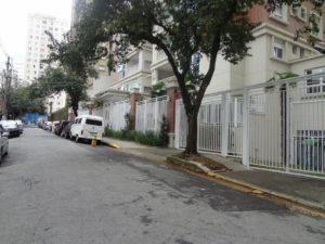 foto-da-rua-edificio-a-direita-copia